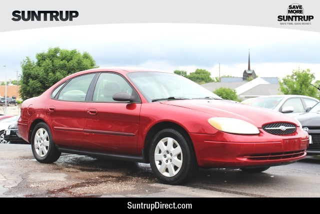 Pre-Owned 2001 Ford Taurus LX