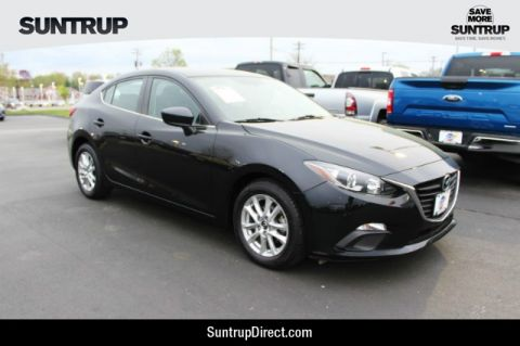 Pre-Owned 2016 Mazda MAZDA3 4-Door i Sport