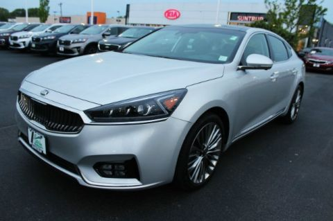 Pre-Owned 2018 Kia Cadenza Limited